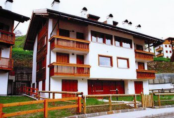 Apartmány Village Precomun