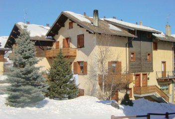 Apt. dům Baita Cusini