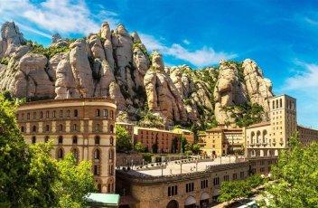 Barcelona a Montserrat s pobytem u moře - klášter, Camp Nou, fontány