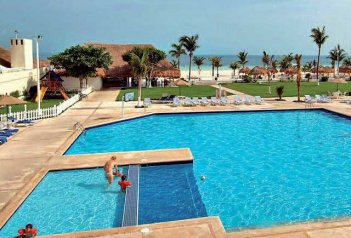 Hotel Ambiance Villas