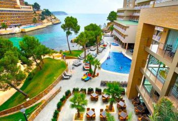 Hotel Occidental Cala Vinas