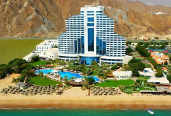 Le Meridien Al Aquah Beach Resort