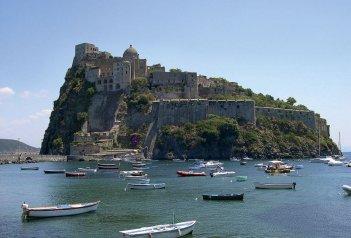 Termální ostrov Ischia s poznávacími výlety po Neapolském zálivu