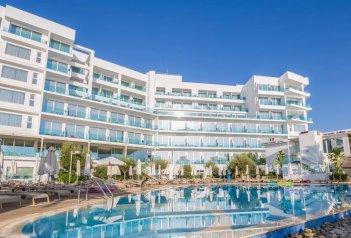 Hotel Vrissaki Beach