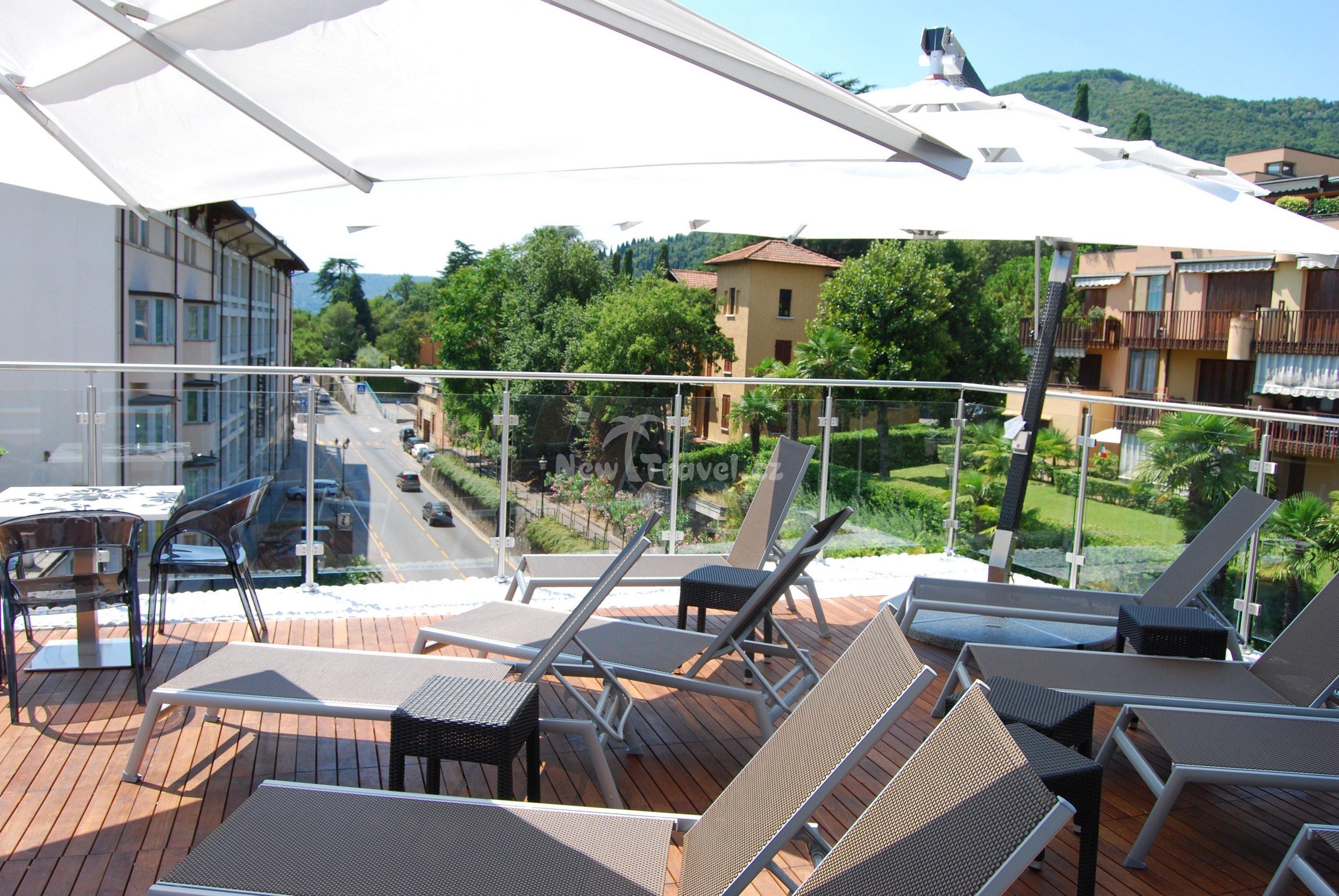 Dovolen a z jezdy gardone riviera lago di garda it lie for Designhotel 21